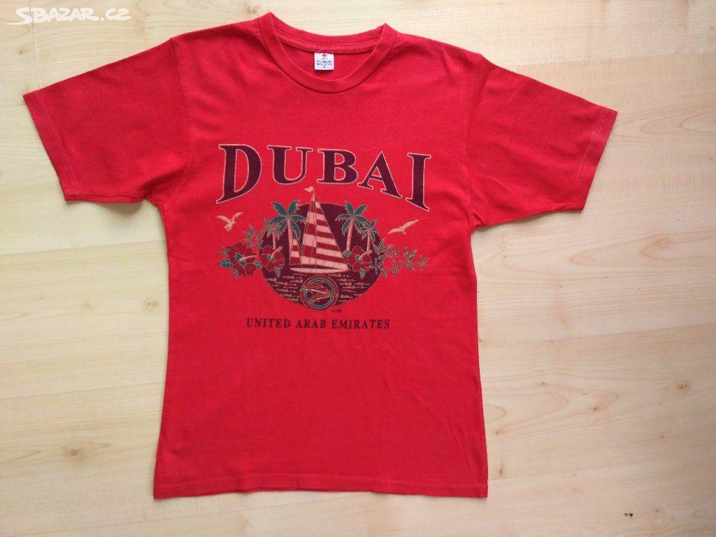 d5809b302b6 Bavlněné červené tričko s nápisem Dubai - Opava - Sbazar.cz