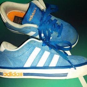 Výpis nabídek. Dětské boty Adidas 4c24deeeaf