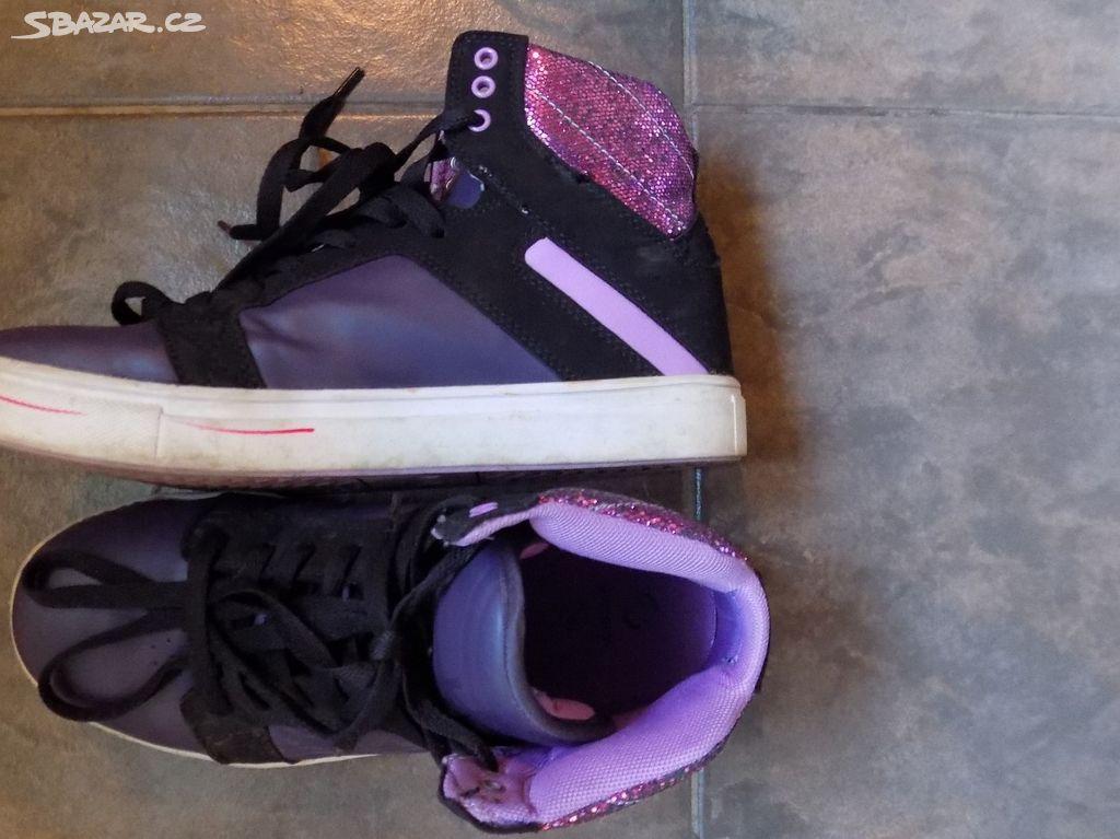prodám tenisky a botasky č. 38 - Chýně 408c14c89c