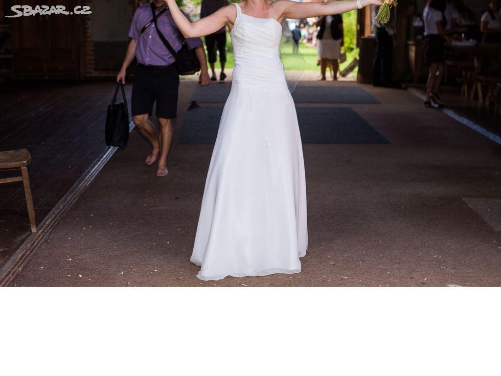 Svatební šaty c070d53512
