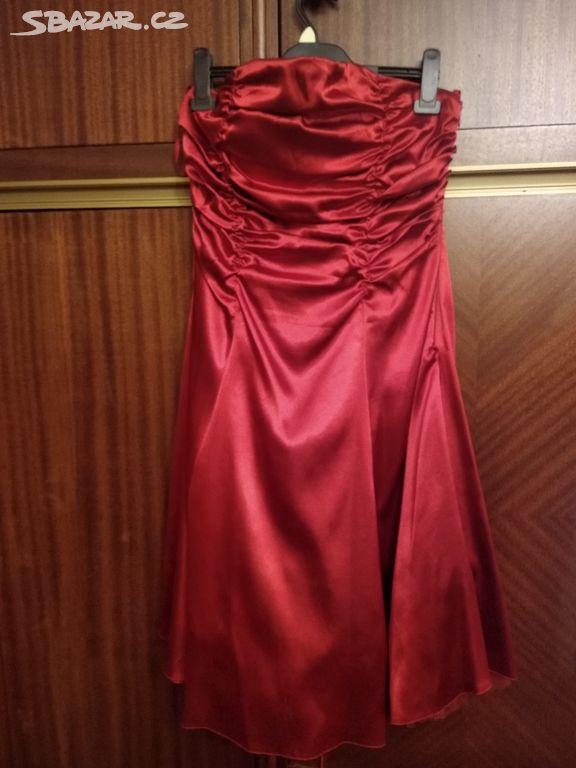 Červené plesové šaty - Ostrava-město - Sbazar.cz 8f3a4dd20d