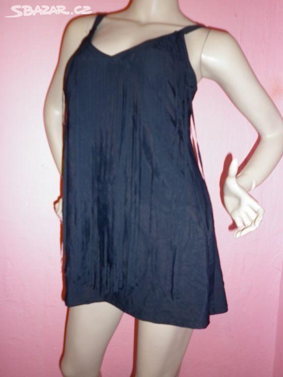 acb4b20ef701 Černé plavkové šaty s třásněmi vel. 40 - Václavovice
