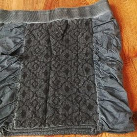 Krátká sukně Angels Never Die. Inzerát byl odebran z oblíbených. c43b4f489d