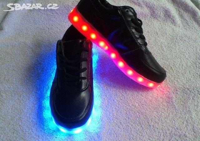 Svíticí LED boty tenisky - 7 barev b36ab5c1a3