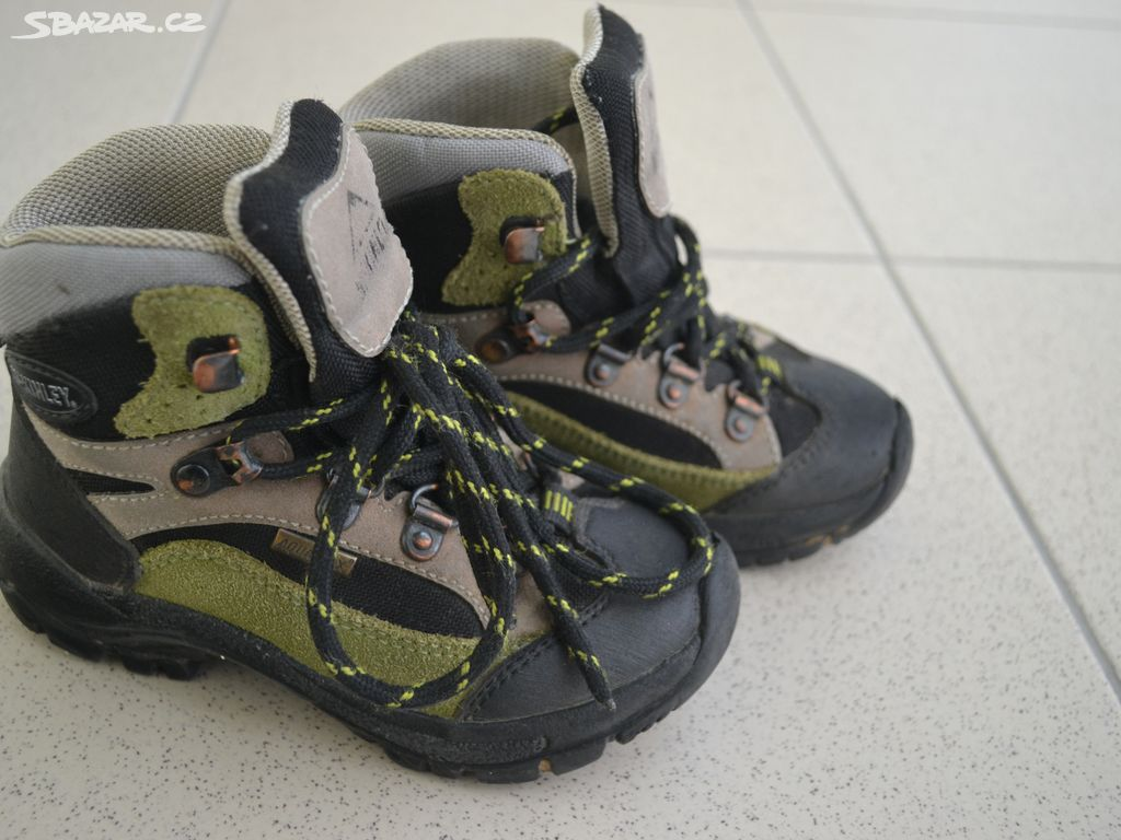 Dětská treková obuv MC Kinley 4baf8e9024