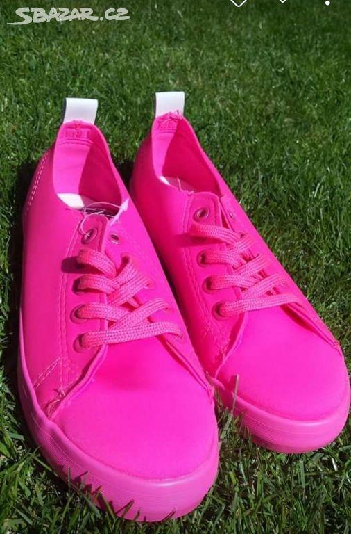 96b1aef304 Luxusní růžové neonové tenisky velikost 37-41 - Čakovičky