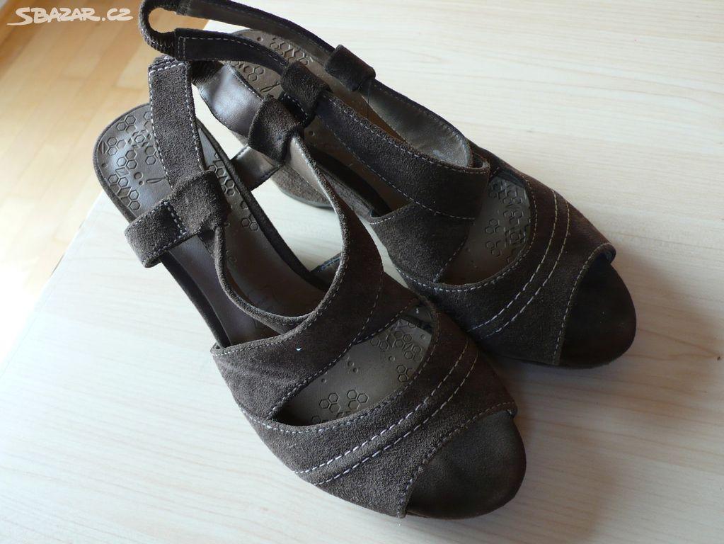 11a556d474e Dámské sandálky boty na klínku vel 36 - Praha - Sbazar.cz