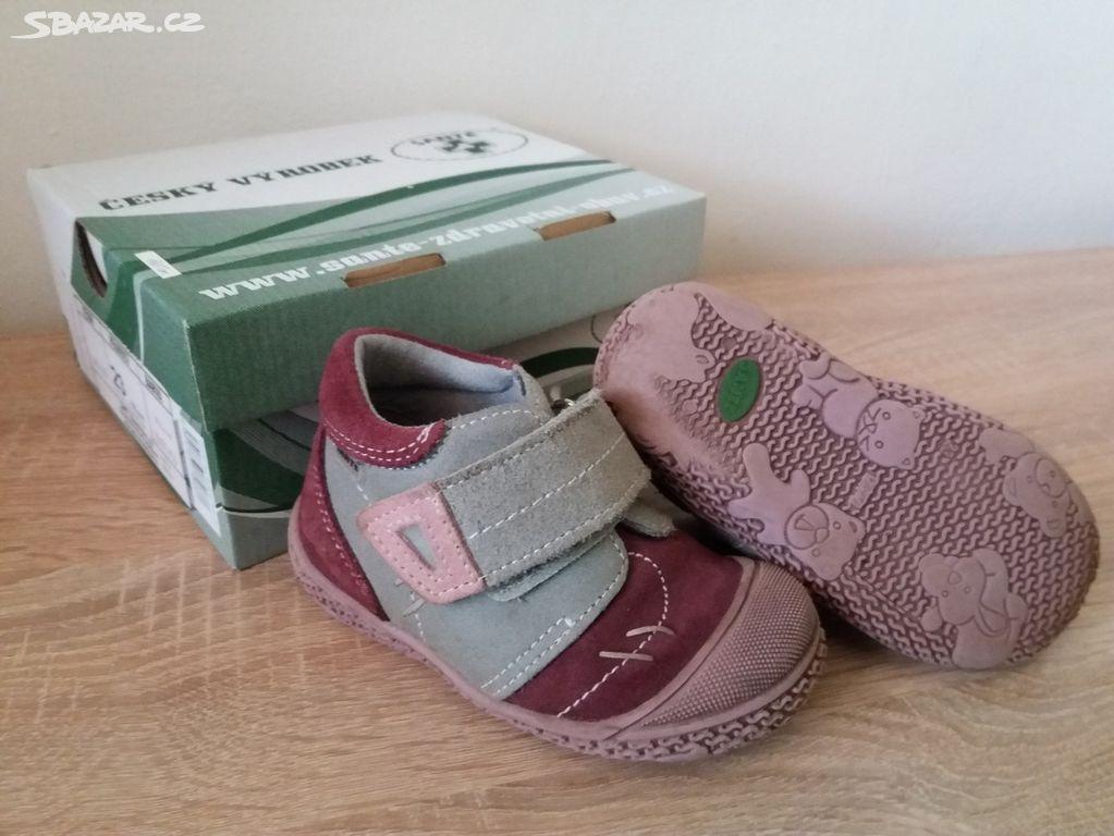 c525d8b7676 Celoroční boty Santé vel.23 - Černožice