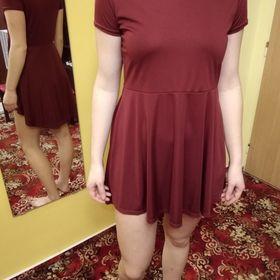 Inzeráty vínové šaty - Bazar oblečení ca08741914