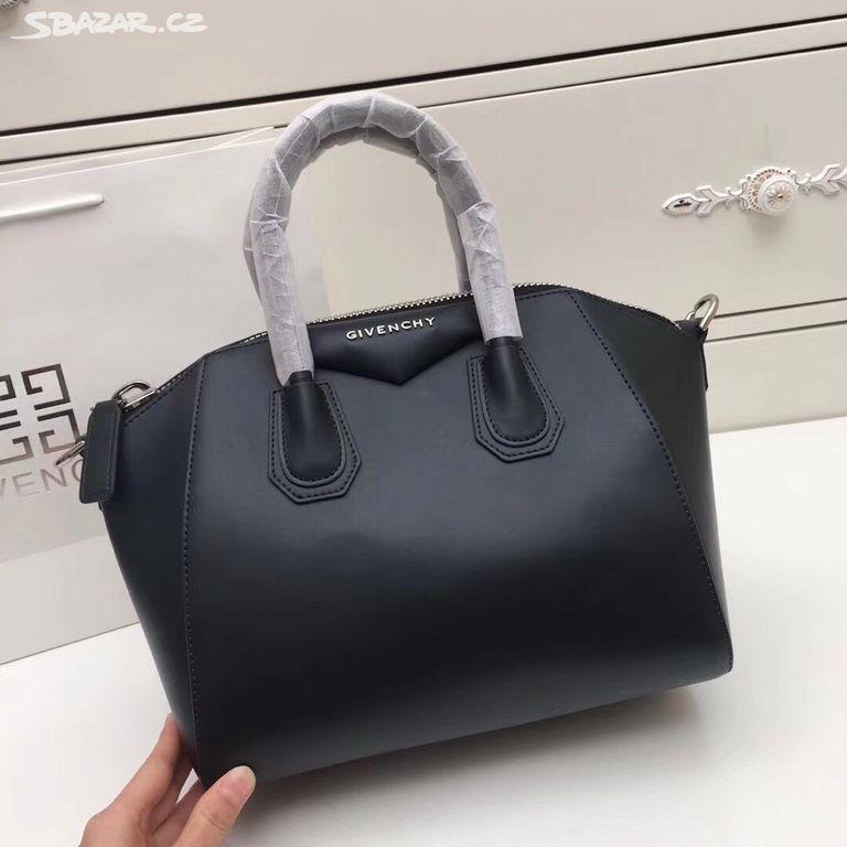 178c0f0fdc Givenchy. Předchozí obrázek. Následující obrázek
