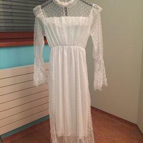 8091bf6d245a Krajkové šaty se spodničkou. Inzerát byl odebran z oblíbených.