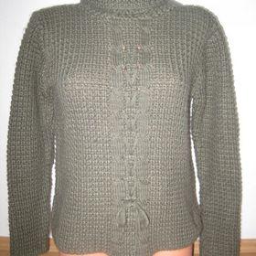 53f56fd4fd0 Prodám pěkný dámský teplý svetr