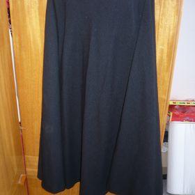 5efb0a71e62 Dámská černá sukně do zvonu
