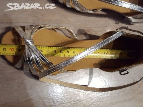 b607d161c1d Prodám taneční boty - Hluk