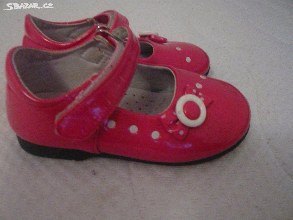 bf64d0ff0b8 Červené lakované sandálky - Strážnice