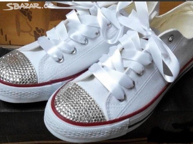 171d37a9fce Luxusní tenisky Converse s kamínky!