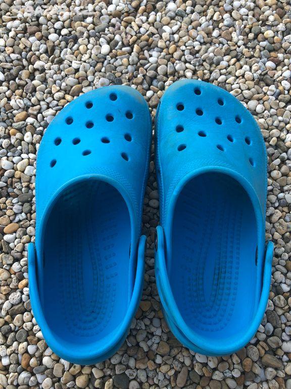 7006af378f1 Prodám dětské Crocs originál vel 2 4
