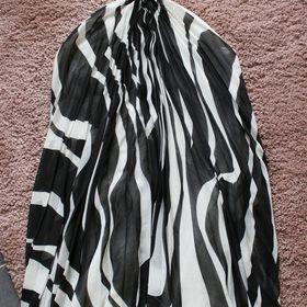 eeb4875f755 Inzeráty asymetrické šaty - Společenské šaty bazar - Sbazar.cz