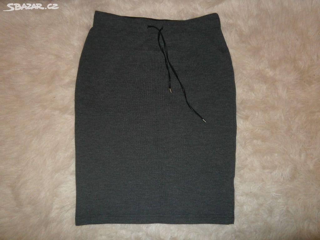 Dámská úpletová sukně vel. 36-38 - Koryčany 99dd4383b2