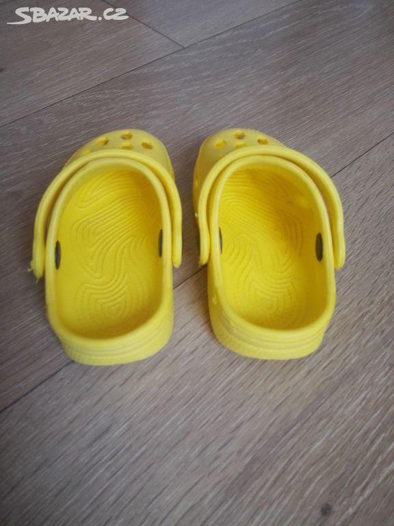 4b5b70b9332 Gumové pantofle typu Crocs vel. 20 - Čerčany