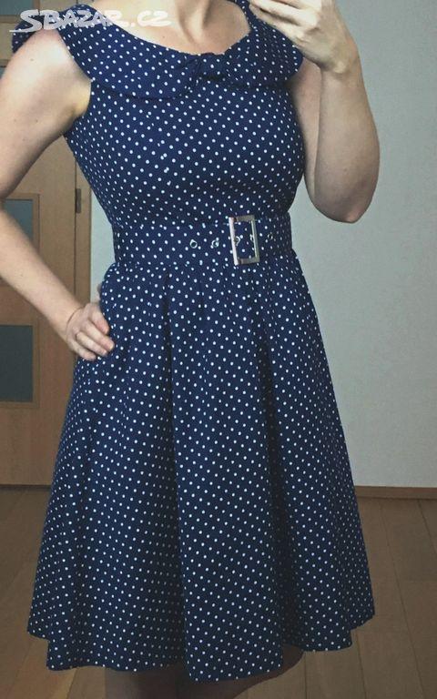 Nové modré šaty s jemným bílým puntíkem b1534af978