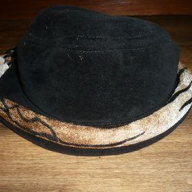 91f511ffd45 Háčkovaný klobouk 74 - Letovice