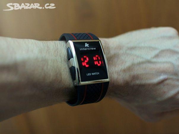 Karsne LED hodinky - cifernik 35x35mm - - Hořice 21b1c4fe36f