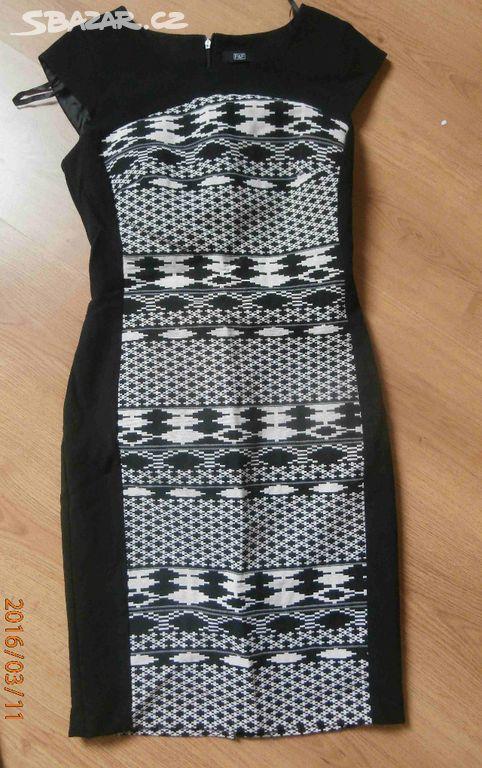 923086e34e0 Krásné elegantní pouzdrové šaty