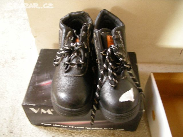 prodám pracovní obuv VM vel. 42 - - Holice cc7f92dbaf