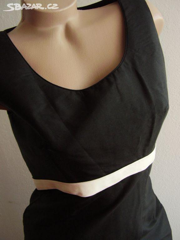Společenské šaty černé barvy d3f9b9f4db
