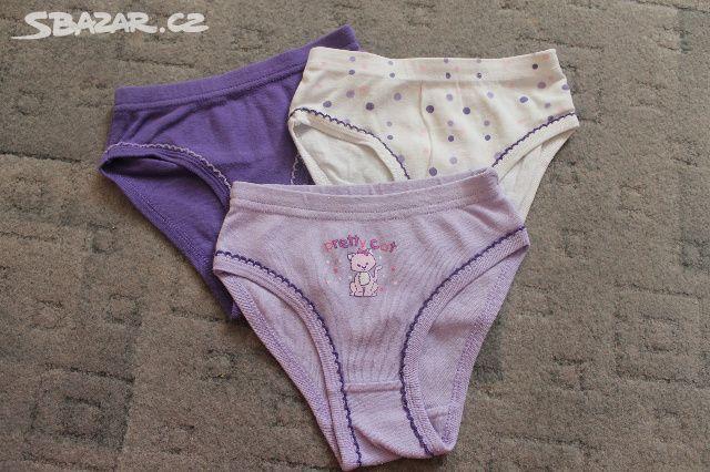 Krásné dívčí kalhotky sada 3 kusy - TOP STAV! - Zašová 2e3869f1e0