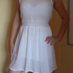 Inzeráty Nové bílé - Společenské šaty bazar - Sbazar.cz c739697d6ac