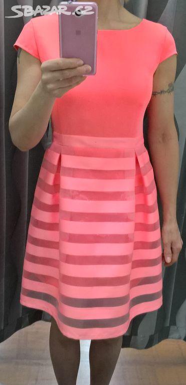 de5a8736f4f Neonově lososové nové šaty Volansky - Kuřim