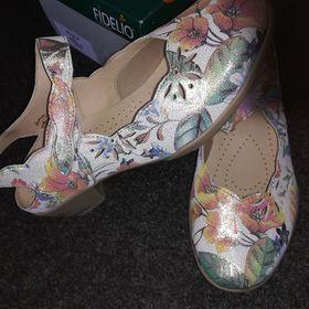 2cdb10fae87 Výpis nabídek. Dámské kožené boty FIDELIO - vel.