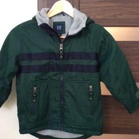 Nejlevnější inzeráty gap bunda - Oblečení pro děti od 6 let bazar ... 7c0bcccbdd4