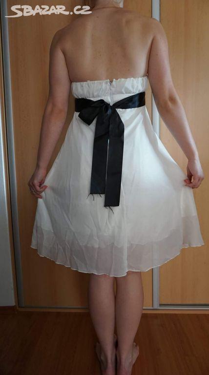 6e262d8c2d23 Dívčí bílé šifónové šaty s černým páskem - Kladno - Sbazar.cz