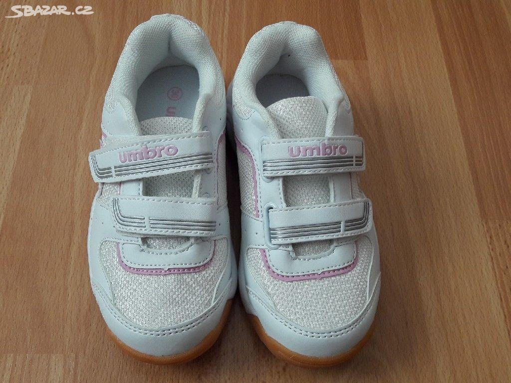 Dívčí boty do haly 324b4aa801b