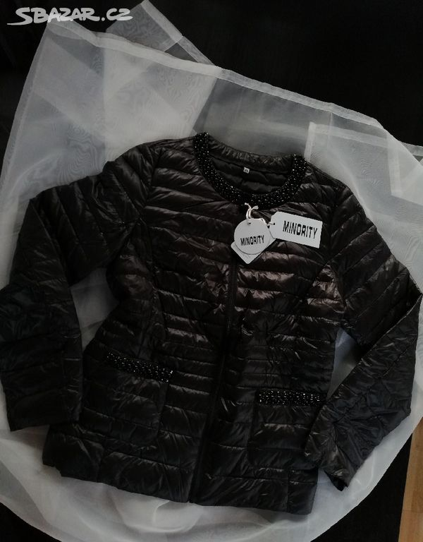 Černá bunda s korálky - Hradištko bd581c85be