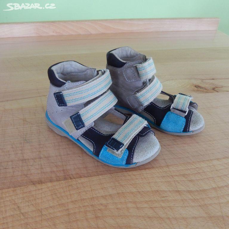 dětské zdravotní sandále č.27 zn. FARE. Inzerát byl odebran z oblíbených. ac4742e39e