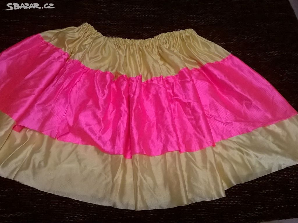 karnevalovy kostym pro dospele vel 4O 42 44 - Peruc 0172b9318a492